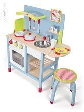 Staré položky - Drevená kuchynka Picnik Kitchen Janod so stoličkou a 16 doplnkami_2