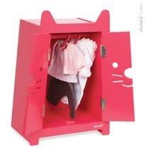 Drevená skrinka pre bábiku Babycat Janod dvojkrídlová s vešiakmi