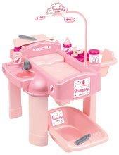 Pelenkázó asztal játékbabának Nursery Écoiffier játékkonyhával és fürdőszobával 18 hó-tól és 22 db kiegészítővel rózsaszín