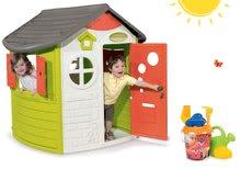 Set domček pre deti Jura Lodge Smoby s dvoma dverami a vedro set Macko Pú od 2 rokov