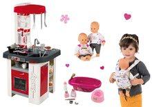 Set kuchynka elektronická so sódovkou Tefal Studio Smoby červeno-biela a bábika s klokankou a vaničkou