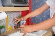 Kuchynky pre deti sety - Set kuchynka rastúca s tečúcou vodou a mikrovlnkou Tefal Evolutive Smoby a zeleninový Bio stánok s vozíkom Organic 100% Chef ako darček_30