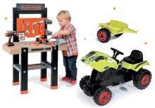 Komplet delavnica Black+Decker Smoby z vrtalnikom in traktor Claas GM s prikolico