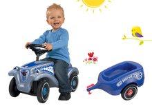 Set babytaxiu maşină Bobby Classic Police BIG albastru cu sunet, lumină şi remorcă de la 12 luni