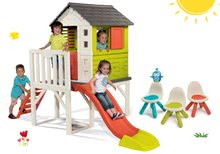Set domeček na pilířích Pilings House Smoby s 1,5 m skluzavkou a 3 židle Kid Chair