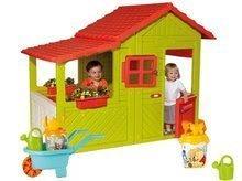 Set detský domček Záhradník Maison Floralie Smoby a fúrik so setom do piesku Macko Pú od 2 rokov