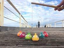 Hry na rybára - Drevená rybárska udica Fishy Janod so striekajúcimi rybami od 24 mes_8