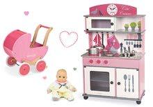 Set drevená detská kuchynka Cote Janod ružová na kolieskach a kočík s bábikou