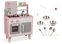 Set dřevěná kuchyňka Macaron Maxi Cooker Janod růžová a pochromované nádobí 7 kusů