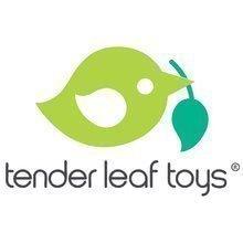 Dřevěné domky pro panenky - Dřevěná postavička s miminkem Mrs. Forrester Tender Leaf Toys v růžovém kabátku_1