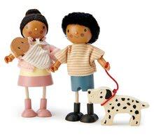 Dřevěné domky pro panenky - Dřevěná postavička s miminkem Mrs. Forrester Tender Leaf Toys v růžovém kabátku_0