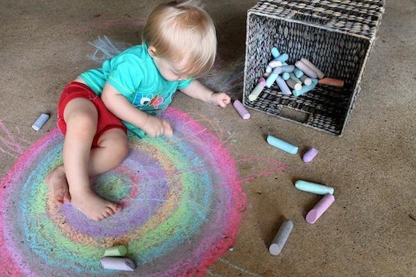 Malování s křídou a dětská motorika