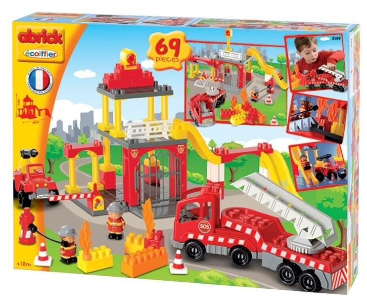 ECOIFFIER 3149 Abrick építőkockák Tűzoltóság tűzoltóautókkal 2 figurával 69 db 18 hó kortól