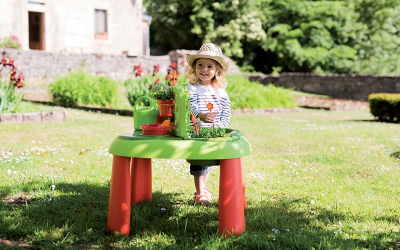 April zahrada stolik