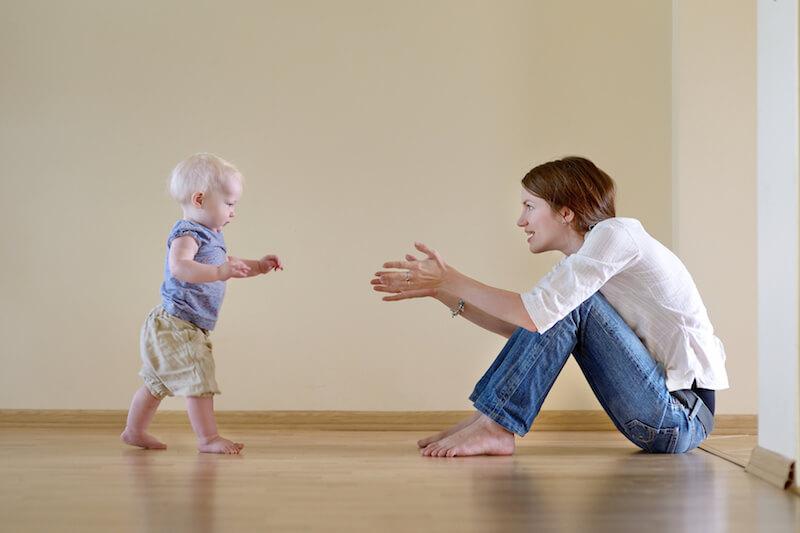 Gyermeket tanítunk járni