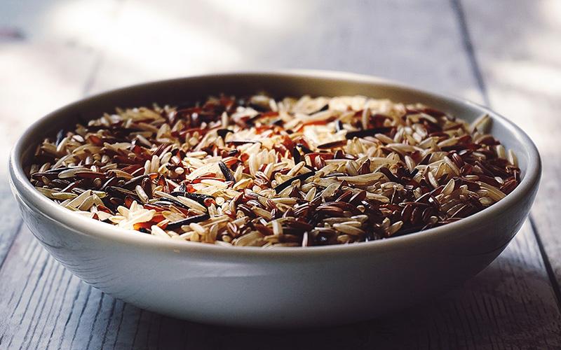 Obilniny ryza hneda