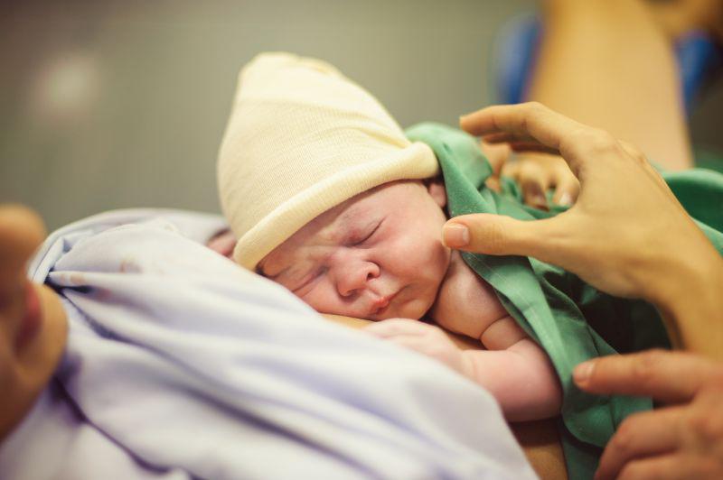 Porod dojenček