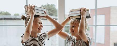 Ljubezen do knjig nastane že v otroštvu. Veste, kako otrokom brati?