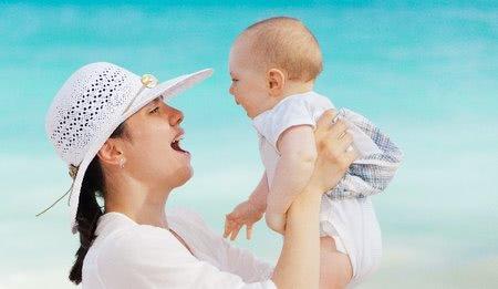 Prvé horúčavy sú tu - ako ich zvládnuť s bábätkom?
