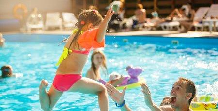 Bazén, jazero, či more? Aká voda je pre deti najvhodnejšia?