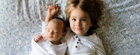 Čakáme druhé dieťa: Ako sa popasovať so žiarlivosťou?
