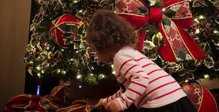Ježibaba, vánoční koza či pivo: jak slaví Vánoce ve světě?