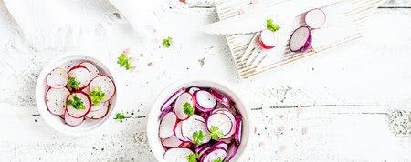Jar plná vitamínov z čerstvej zeleniny a ovocia